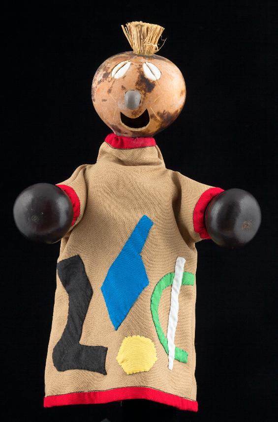 Marionnette à gaine africaine du Togo - 1997  ©MaisondelaMarionnette