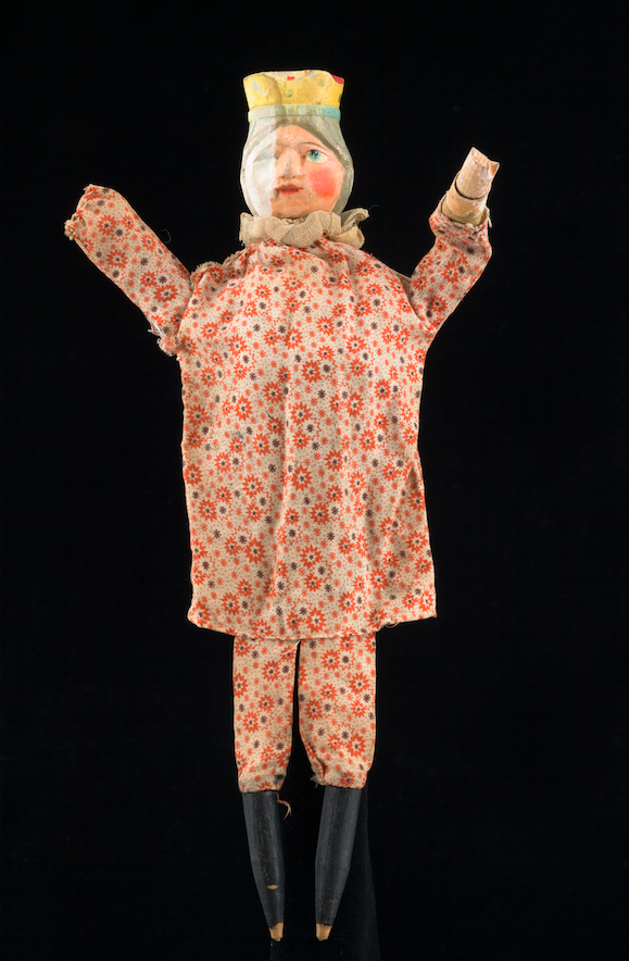 La reine, marionnette à gaine - Origine inconnue, 20ème siècle ©MaisondelaMarionnette