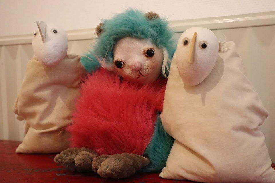 Tidou mascotte musée des arts de la marionnette